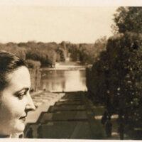 Amanda Berenguer. Perfiles en el Parque Sceaux. (Francia)