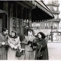 José Bergamín, Laura Escalante, Isabel Gilbert y Amanda Berenguer (París, 1951).
